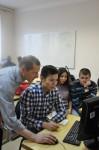 [размер: 398x600 пикселей; 32,9 кбайт]  Школа-семинар «Создание видеогазеты для студентов с ограниченными возможностями здоровья по слуху» завершила работу в НГТУ   фотограф  А. Оверчук